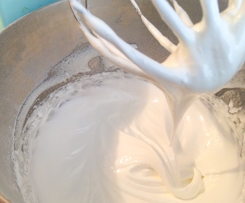 How to make Perfect Egg White Batter for Meringues