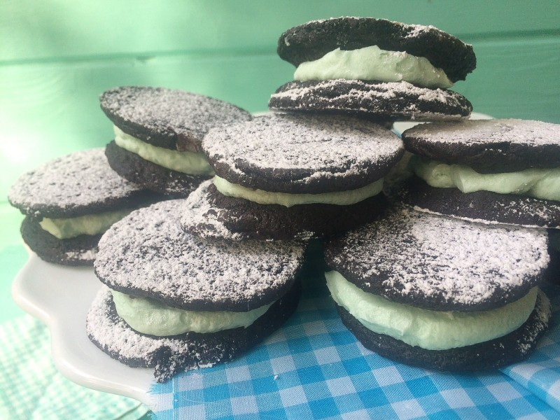 Homemade Oreos/Dark Chocolate Sandwich Cookies
