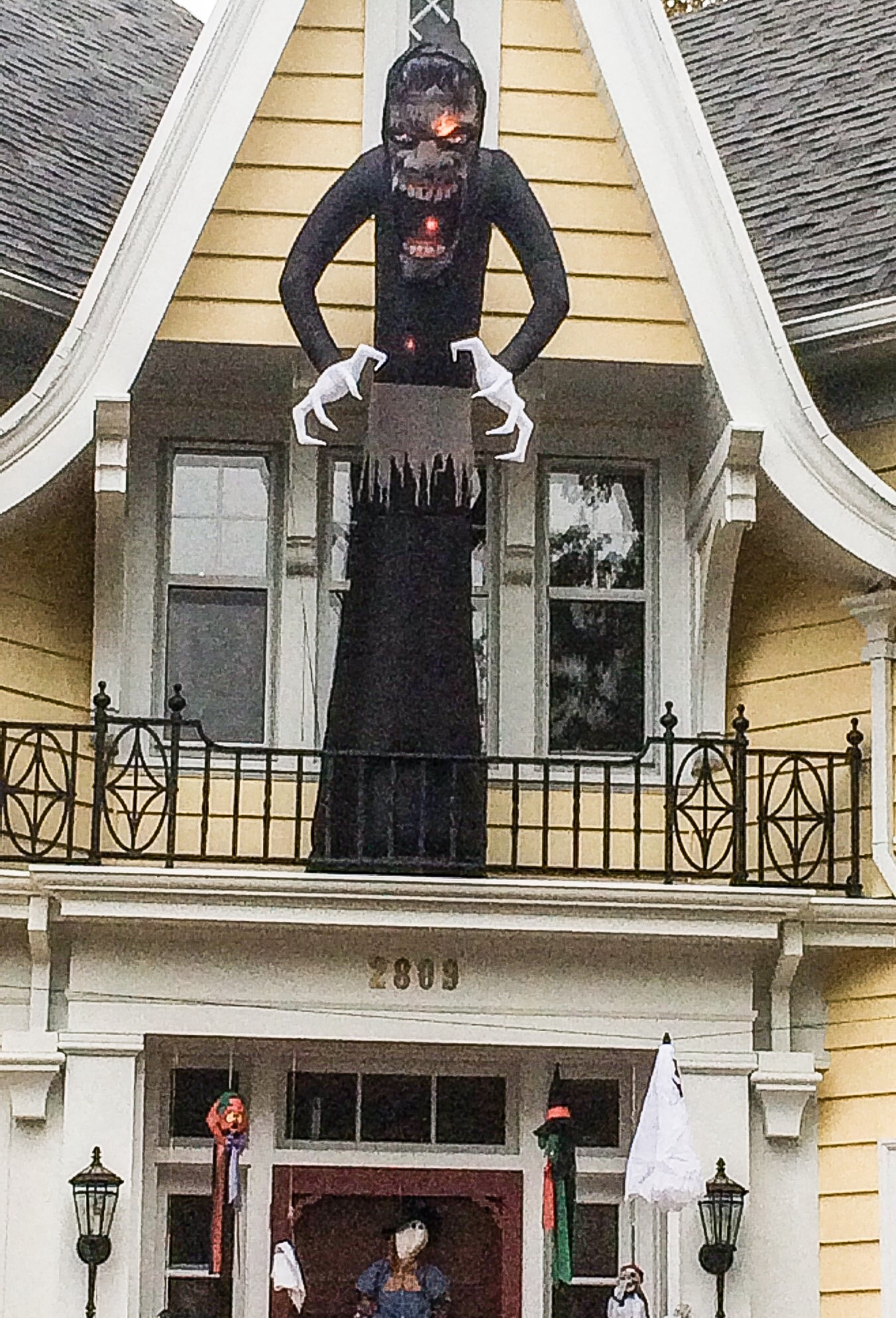 giant black ghoul halloween decoration portland - Giant Halloween Decorations