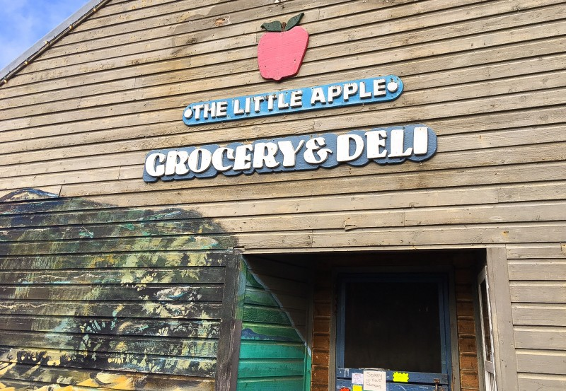 The Little Apple Grocery, Manzanita