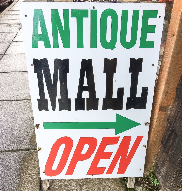 Antique Mall, Wheeler Oregon