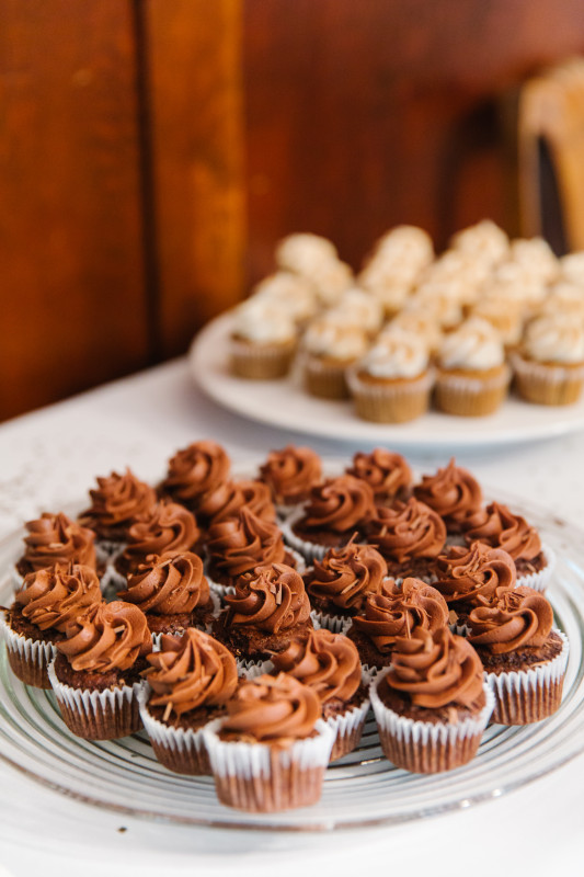 Cupcakes at Appetizer Party, Tips for Hosting