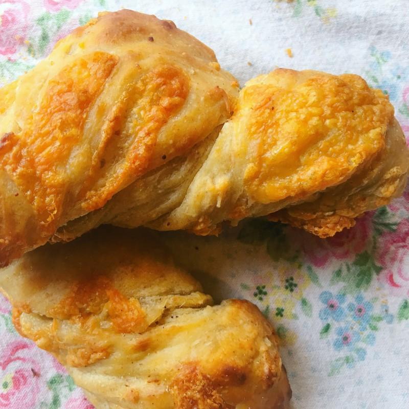 Cheddar Cheese Sourdough Rolls