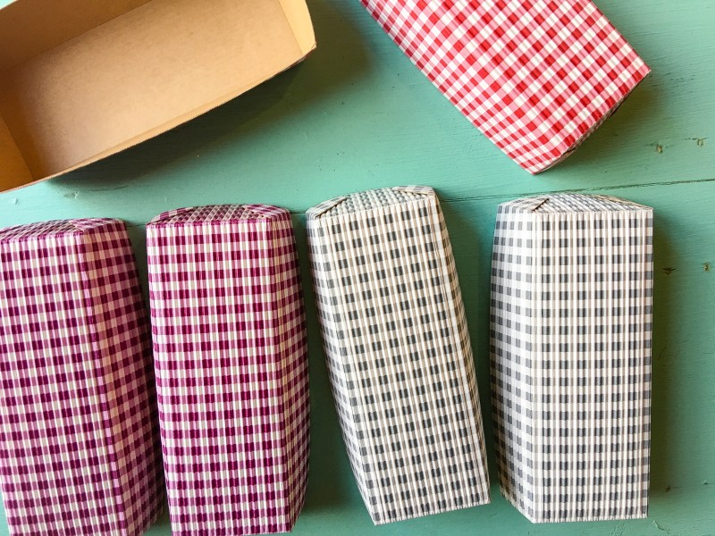Goodwill Bins Gingham Baking Paper Loaves