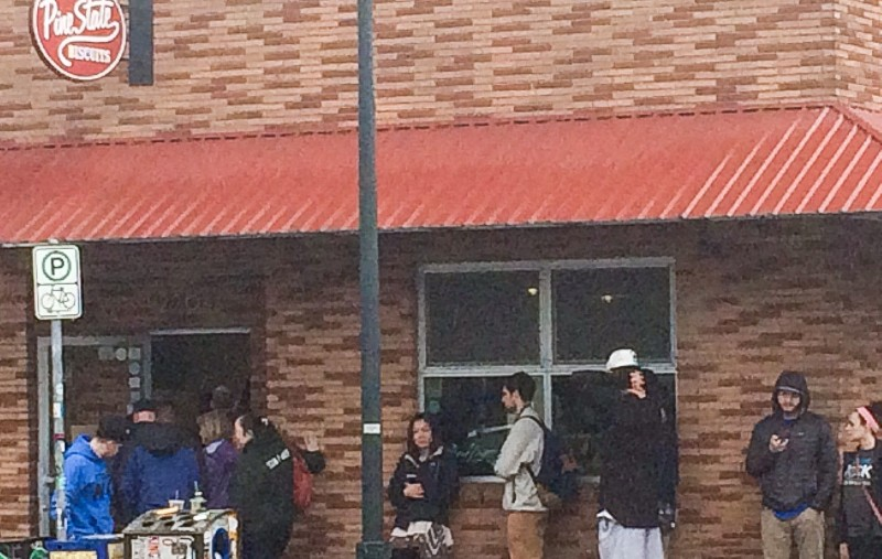 Line Outside Pine State Biscuit