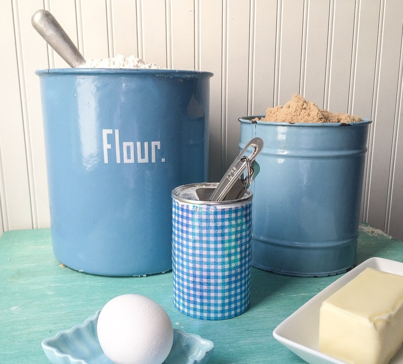 Blue Enamel Baking Set, Blondie Making
