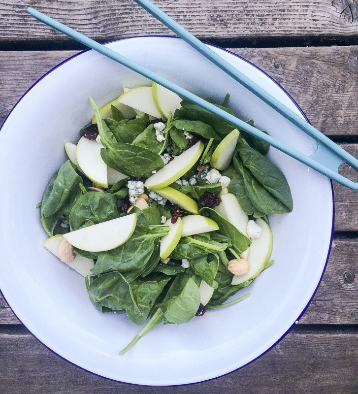 Spinach Salad with Blue Cheese, Granny Apple and Dried Cranberries