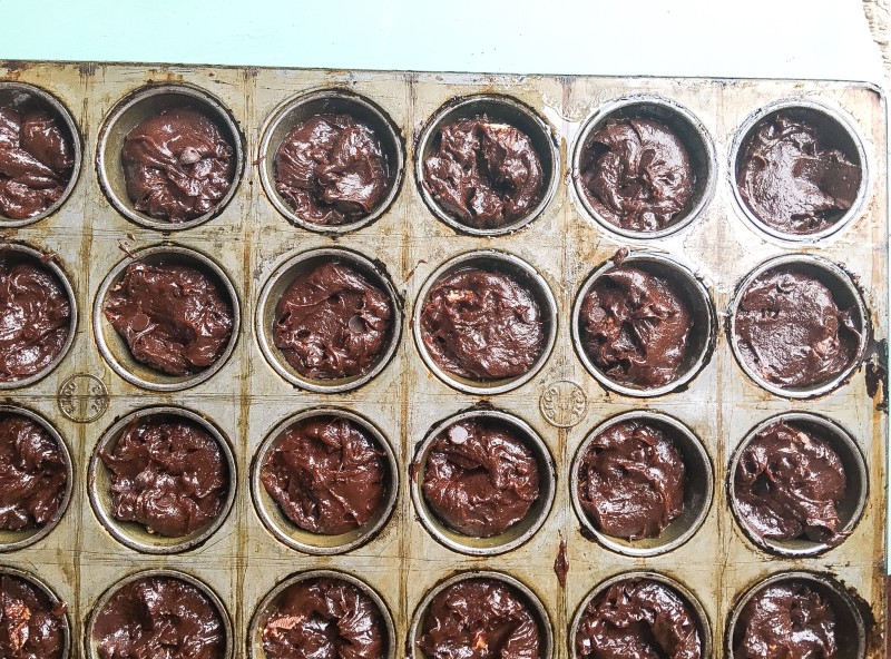 Dark Chocolate Snickers Caramel Brownies