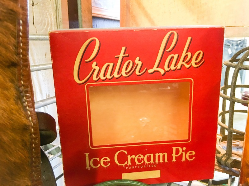 Vintage Crater Lake Vintage Pie Holder Paper, Grand Marketplace