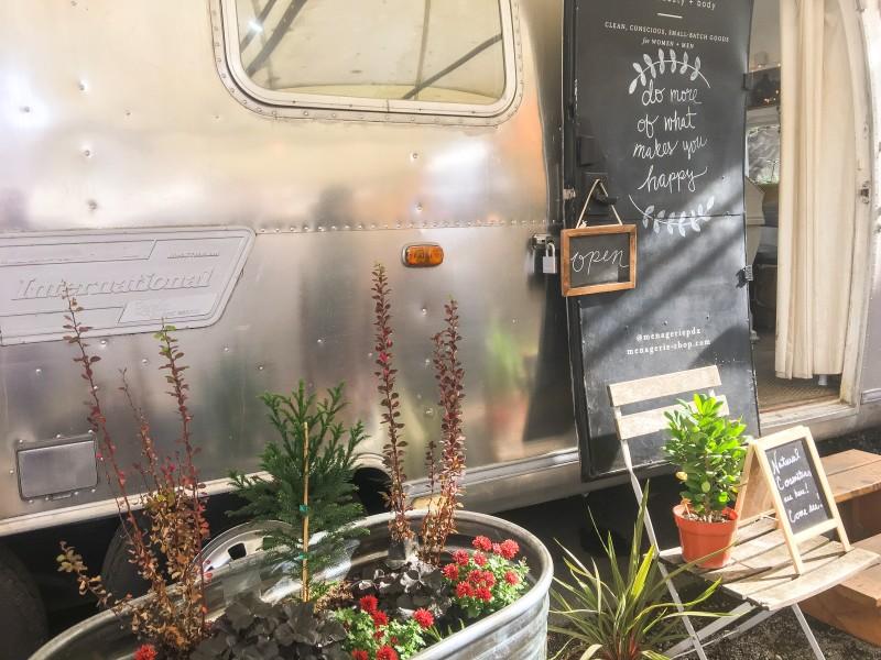 Menagerie Cart Tidbit Food Farm and Garden -- outside