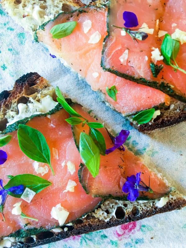Tartine with Smoked Salmon, Hummus and herbs, Tartine Manufactory bread