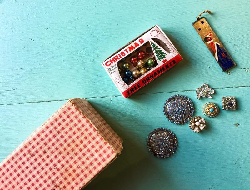 Goodwill Bins Jewelry vintage Christmas