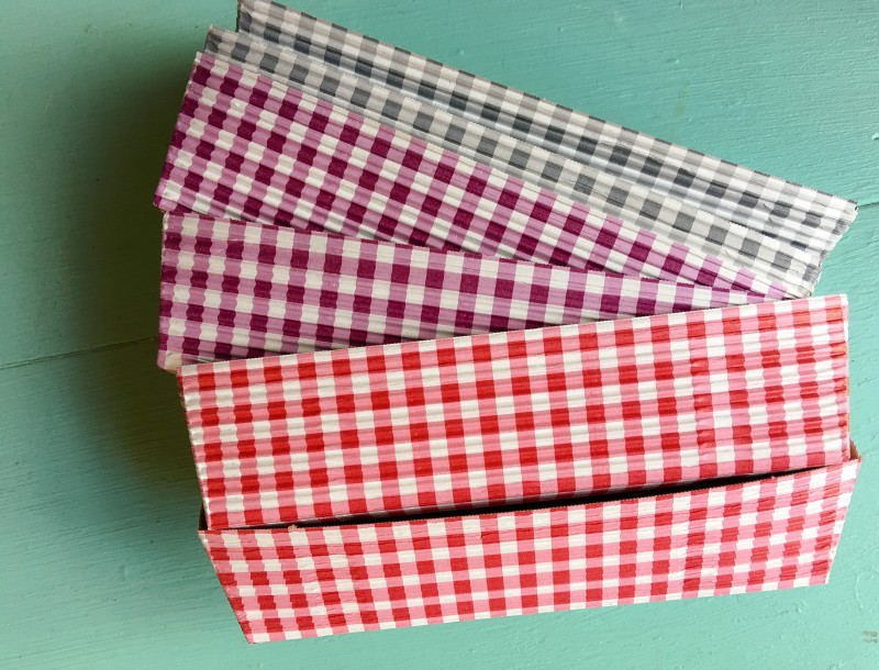 Goodwill Bins Gingham Baking Tray Loaves