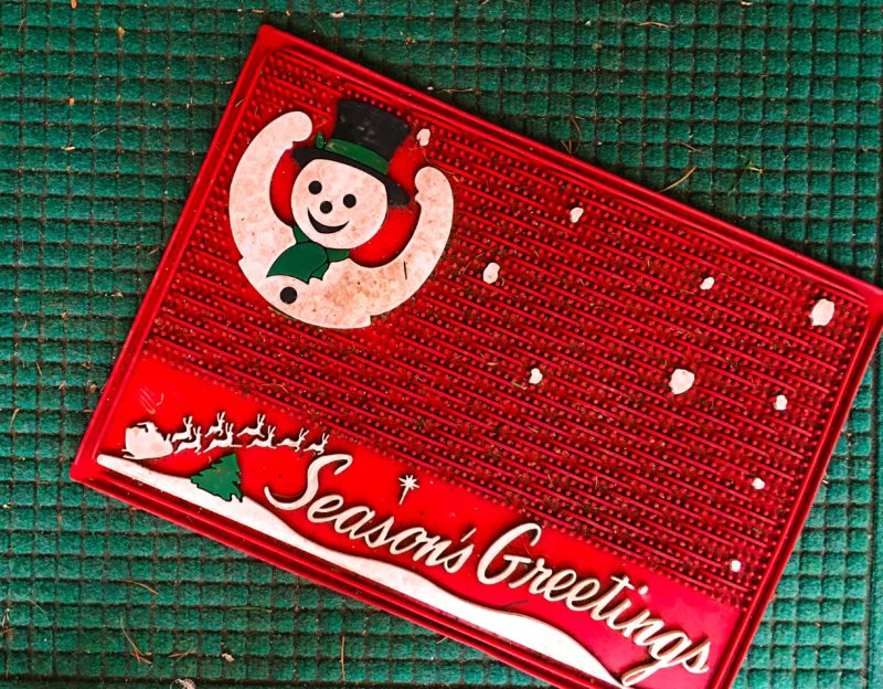 Vintage Season's Greeting Holiday Mat