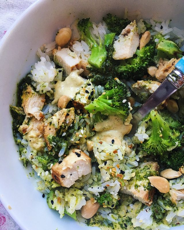 rice bowl with chicken, zhoug and broccoli