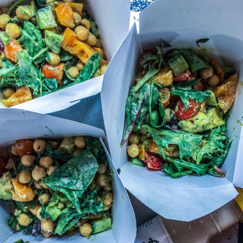 Salad with Chickpeas and Avocado